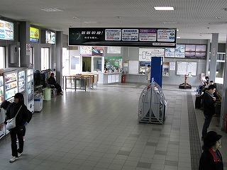 JR大町駅駅舎内待合室