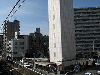 横川駅北口駐輪場可部線ホームからの写真