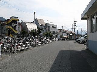 可部駅駅前駐輪場
